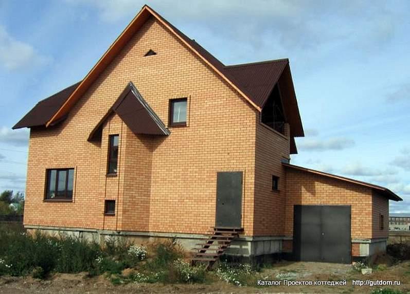 строящийся двухэтажный дом