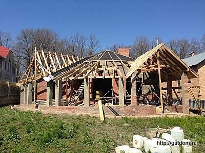 стропилы крыши дома