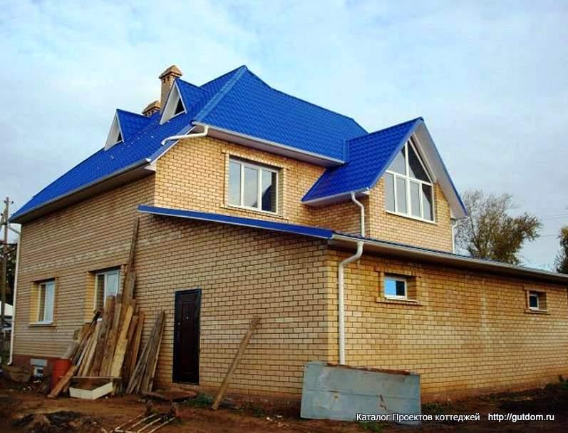построенный двухэтажный дом