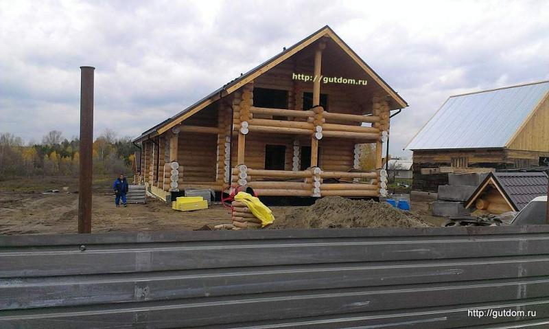 Строительство дома из оцилиндрованного бревна фото 1